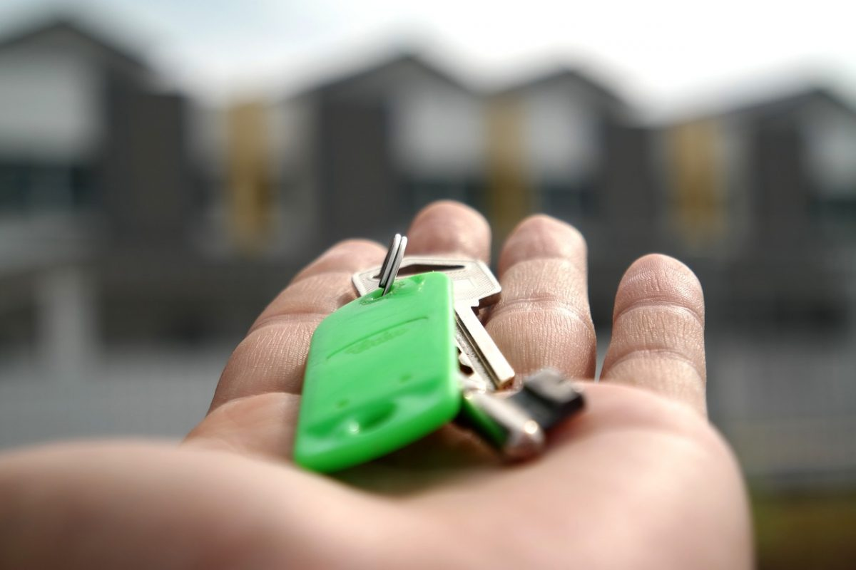 over 1 in 10 people in the UK have multiple properties wherease 4 in 10 have none